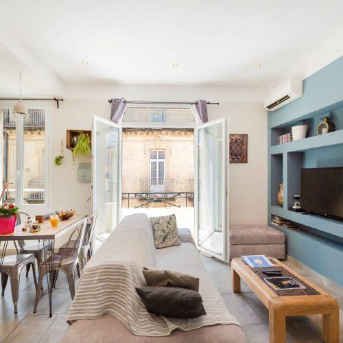 Réserver votre appartement en location de courte durée au centre-ville de Montpellier aujourd'hui.