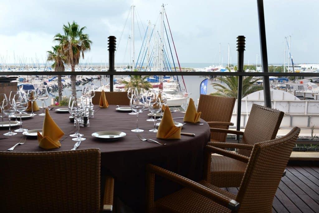 Restaurants vue mer et vue quai sur le canal à Palavas
