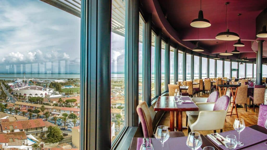 Restaurant panoramique tournant au phare de Palavas